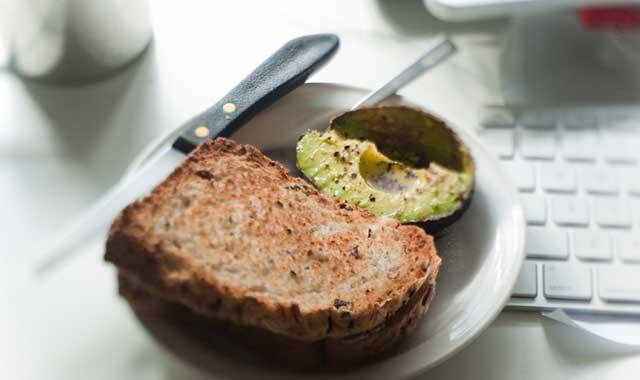 avocado e pane